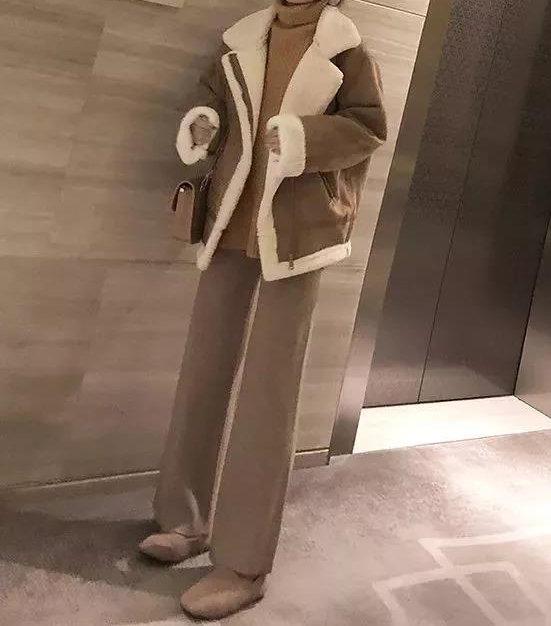羊羔绒外套搭配阔腿裤 潇洒又显瘦 潮人最爱