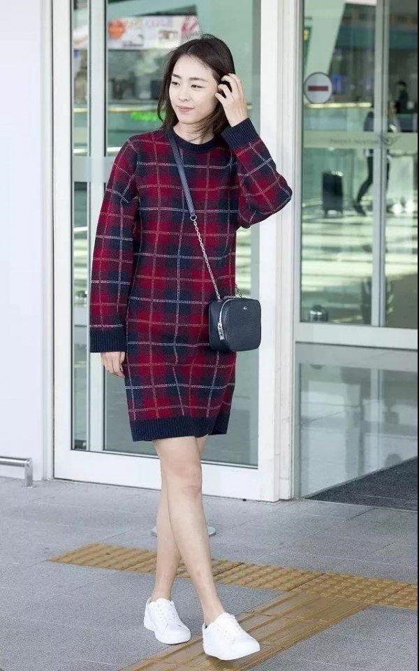 毛衣裙保暖不臃肿 身形优雅让你爱不释手