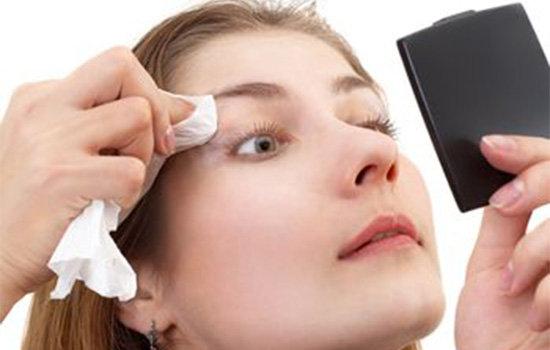 眼妆卸不干净会怎样 黑色素沉积 后果严重