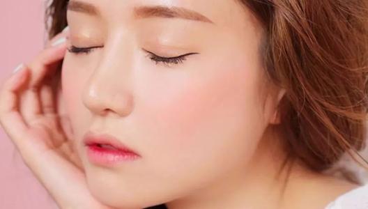 新手化妆要准备什么化妆品 初学者最详细化妆流程