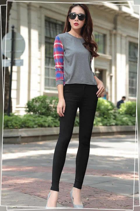 打底裤的搭配效果 拉伸腿部线条 显瘦显高
