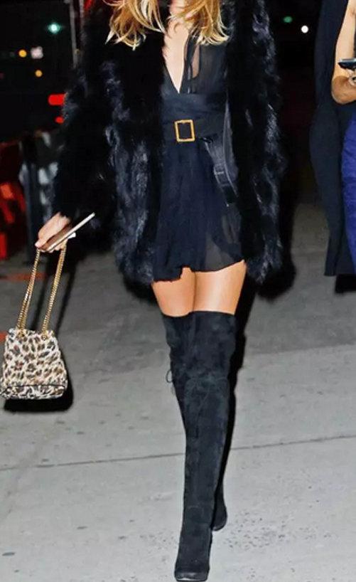 黑色长靴怎么搭配 酷酷的长靴搭配 气场十足