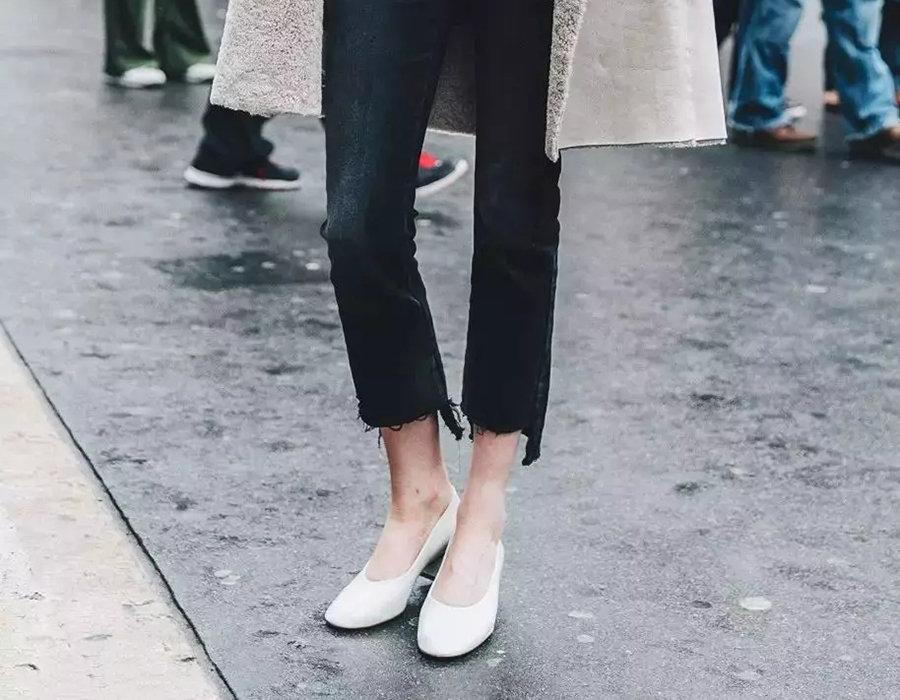 """今年大火的""""Glovee Shoes""""手套鞋,奶奶鞋又成了时髦"""