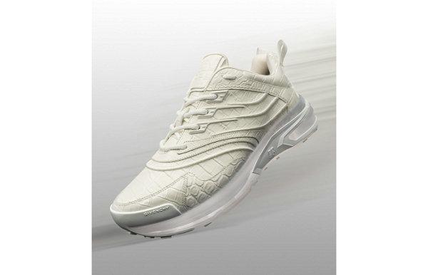 纪梵希 x Highsnobiety 全新联名 GIV 1 鞋款系列发售
