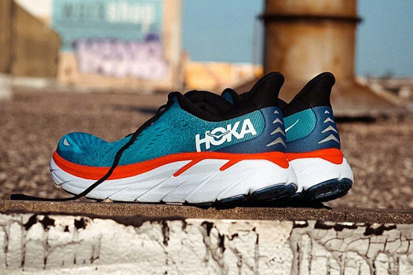 Hoka One One 全新 Clifton 8 跑鞋系列即将上市