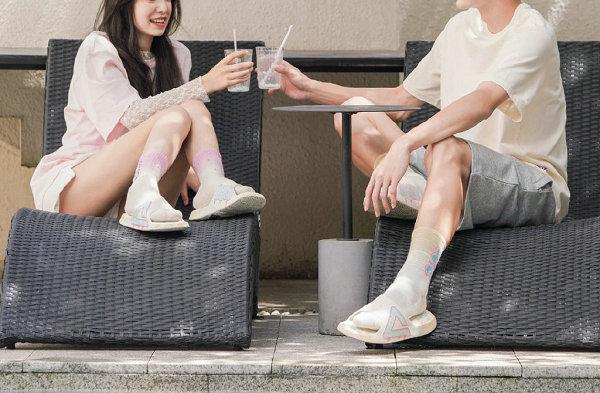 """匹克 x UZIS 全新联名""""冰淇淋""""主题鞋款及潮袜礼盒开售"""