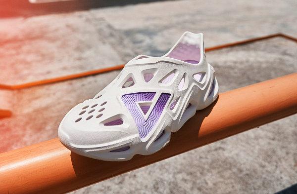 匹克全新女款态极洞洞鞋抢先预览,白紫色调