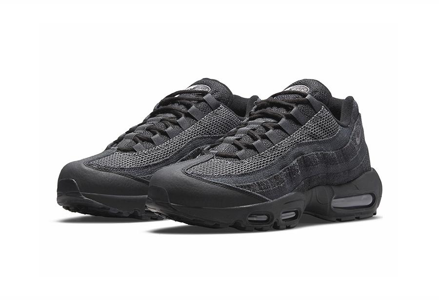 鞋面质感出众!全新 Nike Air Max 95 酷黑配色曝光!