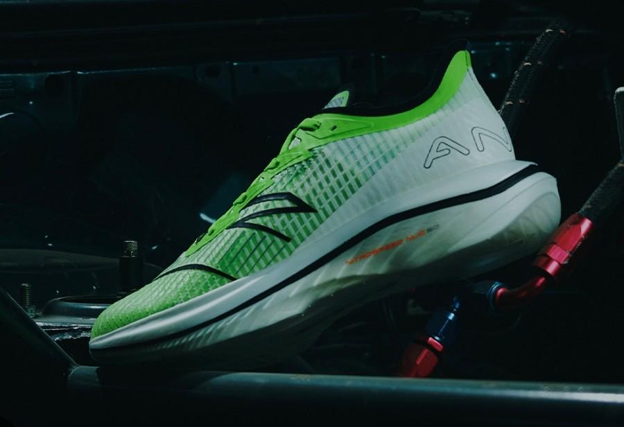 后天发售!全掌碳板「顶配跑鞋」只要 ¥999!恐怕不好抢!